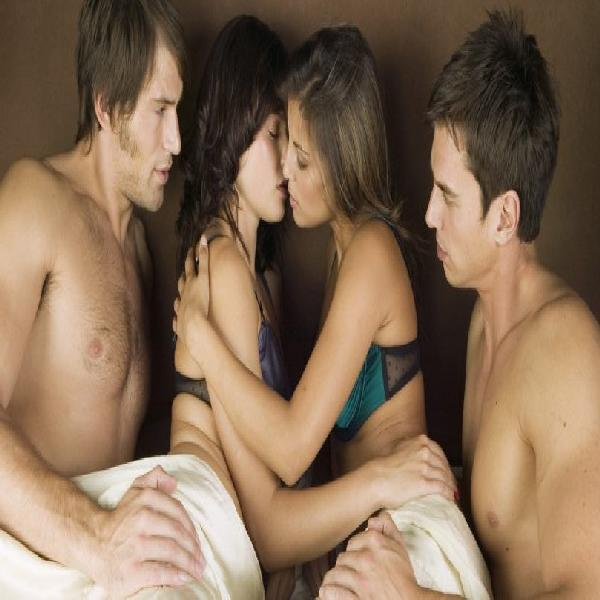Swingers finding couples