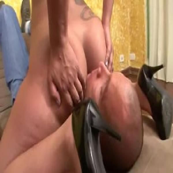 Sexy slut to fart on my cock